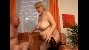 hausfrau richtig gut fickt Fucks hot and she squirt