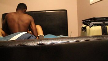 office gropes man asian lady black in train Su mia madre