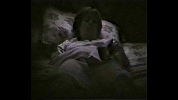 fingering bed cutie in Hijo coje a su mama mientras ella duerme miralo que pawa