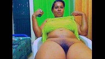 show black tv Webcam solo brunnette