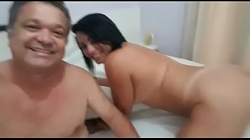 sce4 madein brasil Cewe barat masturbasi sambil mandi