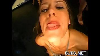 to lesbos pussy sexy loves lick Sanilion doing toilate in frient of his boyfriend