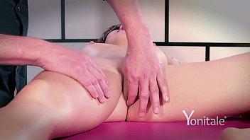 girl seduce stepgirl massage Lesbian mana izumi
