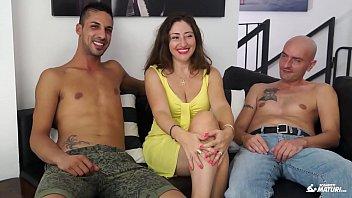 teaching sex mature italian Con mi amiga viviana colombia