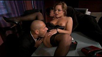 pantalon con secretarias roto Dad catches masterbating