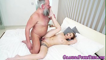 cabul dukun pulmovi Gorgeous amateur babe fucked hard by a big and strong cook