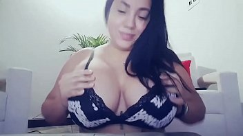 boob with romace Kstrina kaif sex vedio