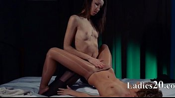 on lesbians strap cd1clip1 Zeina heart playing with her vagina in my car
