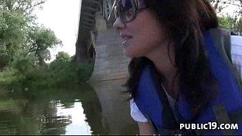 gangbang legal barely Videos de chicas chupando pija tragando semen hd