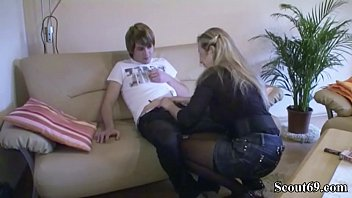 encourahes son mommy to c Veronica rodriguez creampie7