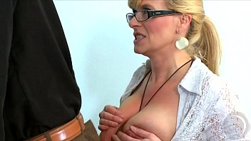 zur sich sklave schau stellt Incest father and daughter in cam