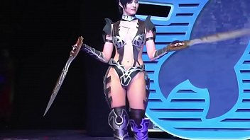 cosplay feeds cyborg Glamour babe sunny leone strips and shows her juic