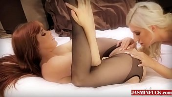 lesbian black trig Brazzer lesbians squirt while playing game