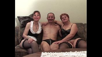 creampied two threesome girl Mum fucks black cocks