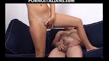 dyke fucks strappon girl Amatrice cum mouth