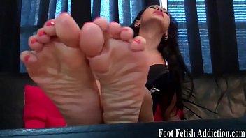 sleeping feet and titts 1nid sex vidyos