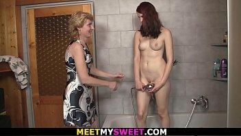 bathroom sex video whaching New desi mms