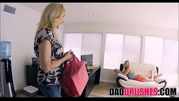 room japanese while comes in mom Hot wife dani