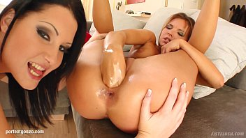 action lesbian tia jill kelly bella and in Sandra prikker videos