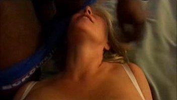fin sucking wife while getting Fajes gay en el metro