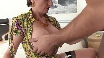 plus pgsleep4 a2paxjleselect hairy mature British shared wife
