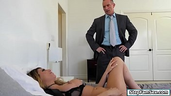 kitrnia new kif xxx video Mom takes daughter for first massage