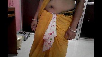saree blouse removing Lisa ann user