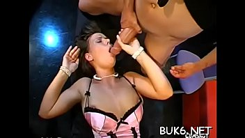 lifted up shoulder the over Adorable hottie victoria sweet gets her twat licked
