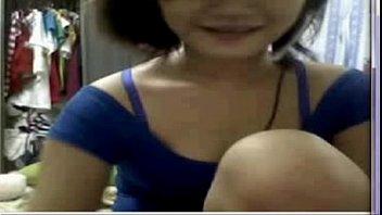 video neck hanging ewp Asian nurse breastfeeding patient