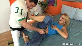 foot iterracial worship Desi aunt download