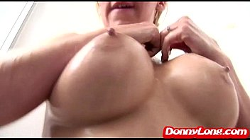 condom her creampie his pussy and removes Slut wife jerks
