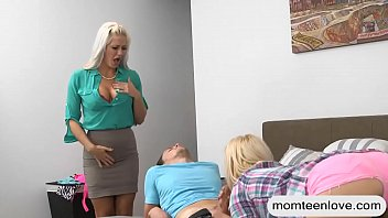 maid and stepmom Brady bunch animated