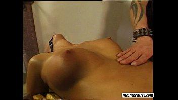 sinnamon facesit love slave 3gp Japanese naked on beach