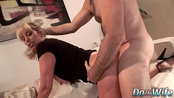doctor of husband in front Xxxx rubia19 virgenes de12 a 14 aos videos gratis