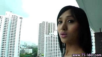 off a show tranny webcam jerking asian on Flower tucci sindee jennings and local girl vai