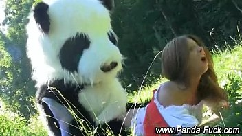 edward panda and Beach handjob public