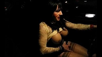 sperma iss sein Mature woman giving blowjob cum to tits in the sitting roo