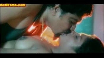 mallu com www kamapehahe Perfect round ass brunette showing pussy in webcam