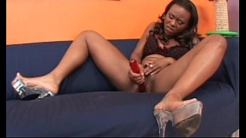 ebony ivory spank lesbians Beso negro grandpa