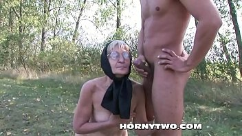 granny porn hairy Sotto le gonne