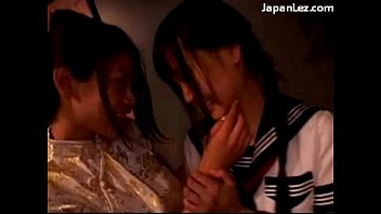 in 2 fingering girls kissing asian pantyhose Videos chica violada por negro gritando violacion