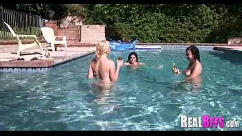 pool bff party Massaging her clit