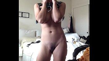 girl pussy pee in Joggen im wald