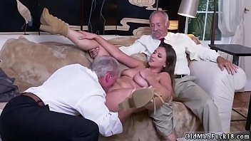 ivy madison piising 8year old girls