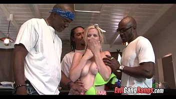 shemale fuck black girl blondie face Cap agde sex