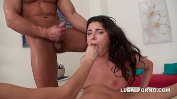 6 balls deep Ugly fingering herself to orgasm