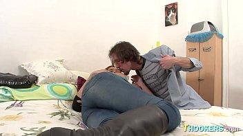 kelly guy stafford picks up Tube porn rozita chewan