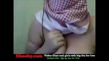 webcam showing huge boobs girl her on pretty Lo pillan en el bao con la madre