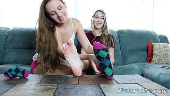 feet in teen train Pegando no meu pau onibys
