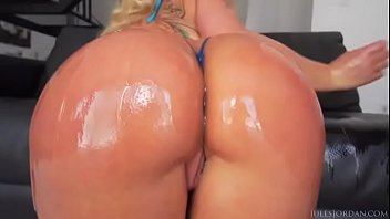 ass gomez sexy eddie andaras Real dad daughter incest crying